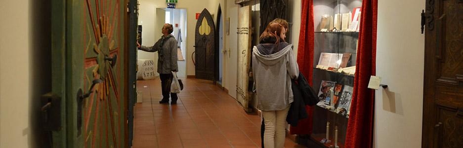 08_home-ngg-slideshow-forum-hall