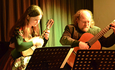 20.12.2013 |  «Duo La Perla» mit Lesung von Peter Kerbl